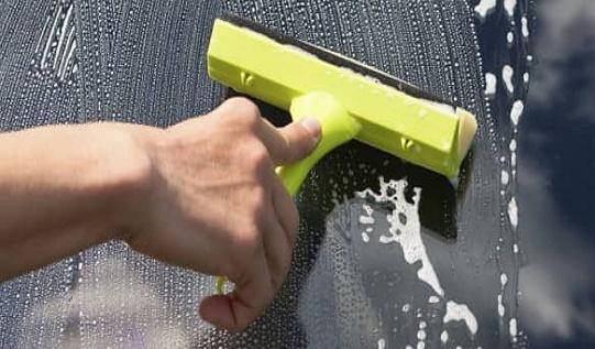 Натуральное средство для мытья стекла